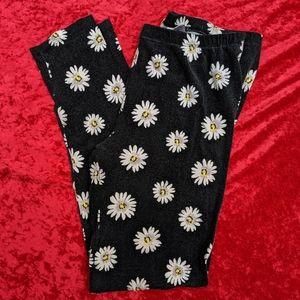Pink Republic Black Daisy Floral Leggings